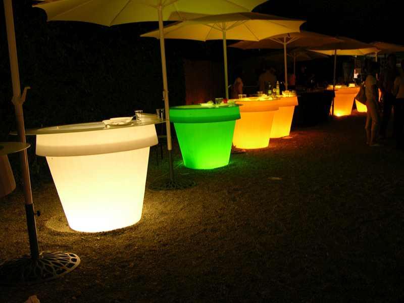sort_3d | page_1 | Verlichte bloempotten / Verlichte Meubels LED ...
