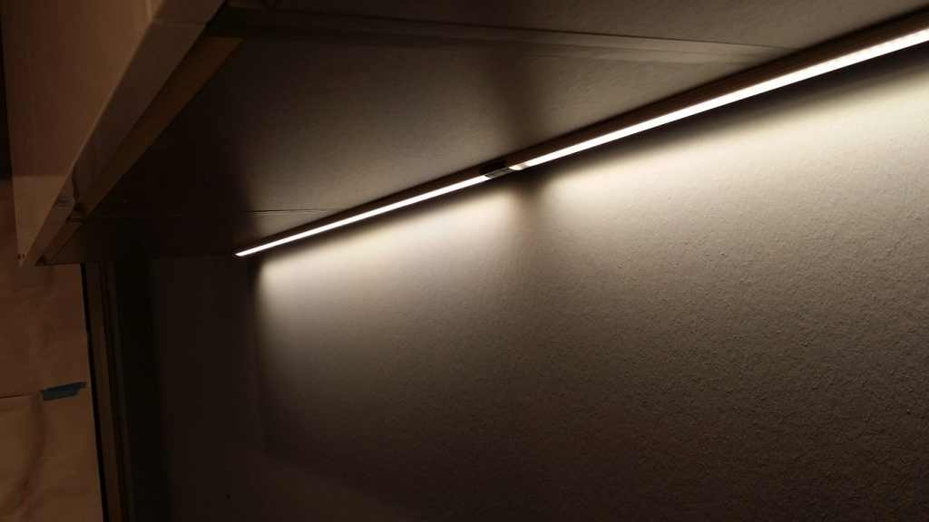 LED Strip LO SMALL (26mm breed) LED Verlichting en energie zuinige ...