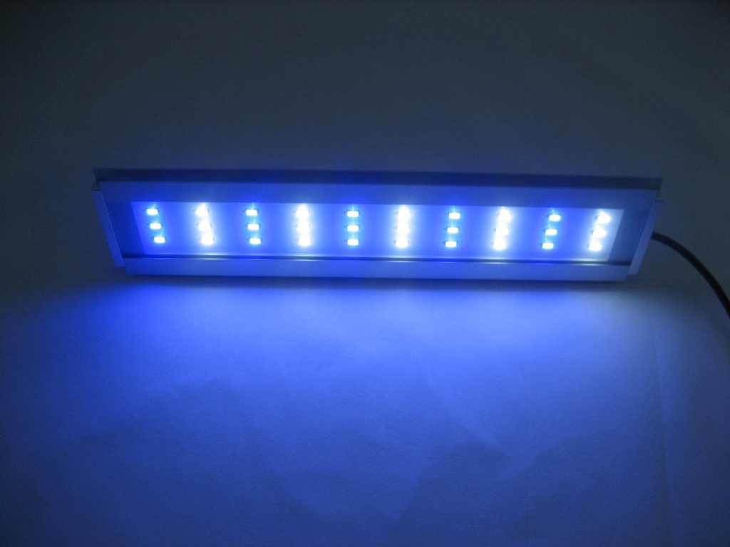 https://www.led-verlichting.org/images/LED_Lamp_Aquarium_12Watt_28_CM_4.JPG