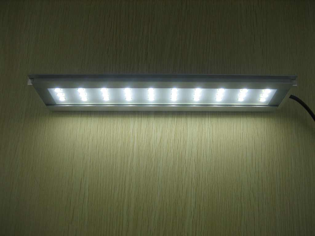 https://www.led-verlichting.org/images/LED_Lamp_Aquarium_12Watt_28_CM_5.JPG