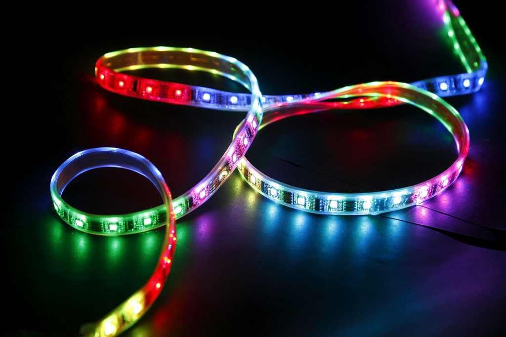 LED Strip RGB / Variabele kleur LED Verlichting en energie zuinige ...