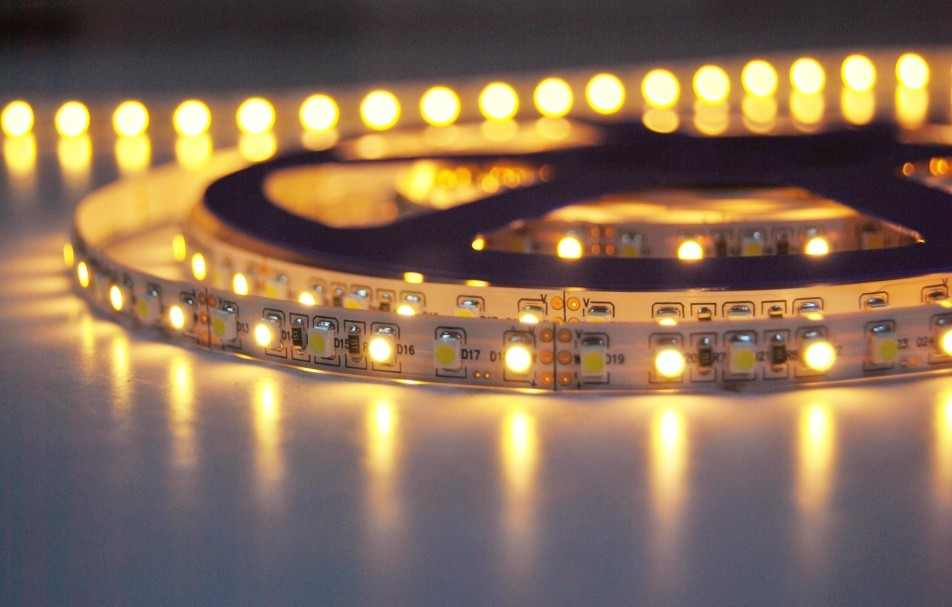 LEDware SMD LEDstrip | Waterdicht | 12 Volt | 48 Watt | 600 LEDs | 5 M | Warm Wit | Epoxy
