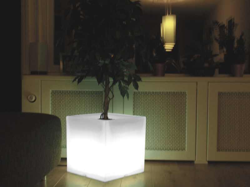 Bloempot Met Licht : Verlichte bloempotten verlichte meubels someled led verlichte
